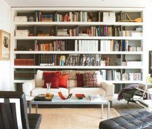 Biblioteca grande en el Living chico
