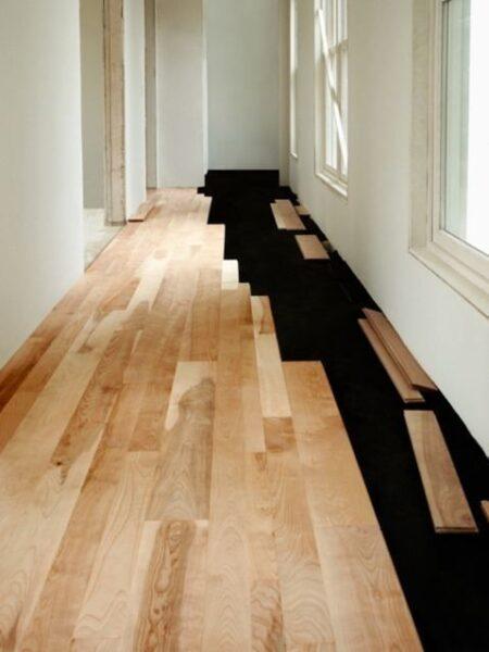 colocar piso de madera flotatne