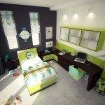 dormitorio verde y gris oscuro