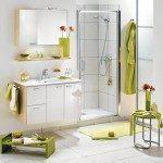 baño con color predominate verde y blanco