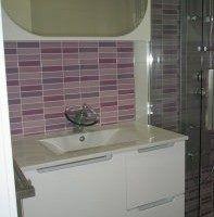 azulejos multicolores tonos lilas y violeta