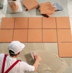 Azulejos marrones para sus pisos