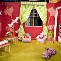 Cuarto para juegos para niñas decorado con aves