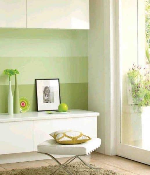 Paredes pintadas a rayas tonos verdes