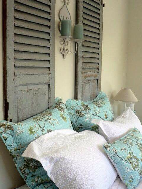 persinas antiguas como cabecero de cama