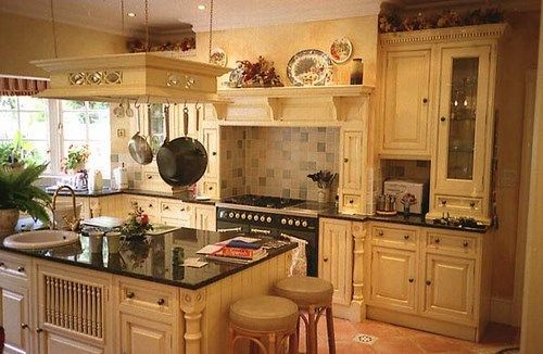 Decoracion de cocinas con muebles de pino casa web for Cocinas country