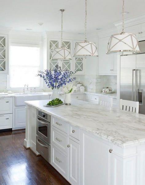cocina blanca victoriana elegante