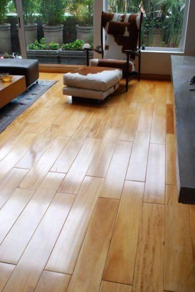 piso de parquet claro