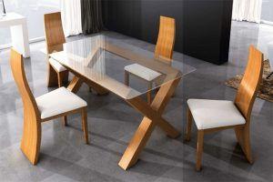mesa comedor con sillas de pino moderna