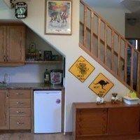 bajo escalera cocina
