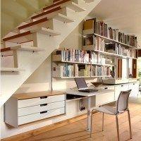 bajo escalera escritorio biblioteca