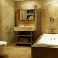 baño moderno marron