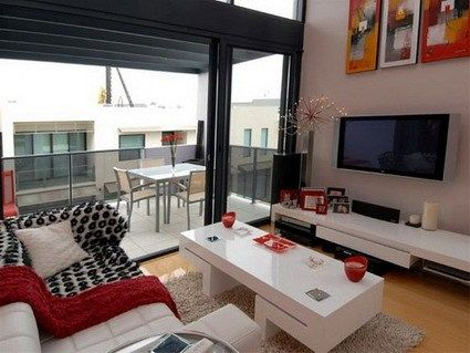 Living peque o blanco y negro con detalles en rojo casa web - Decoracion blanco negro rojo ...