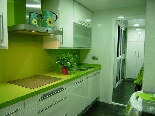 cocina peque a verde y blanca casa web On cocinas verdes y blancas