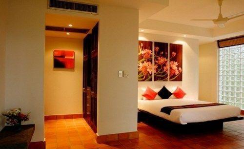 Cuadro para pared beig casa web for Recamaras para adultos decoracion
