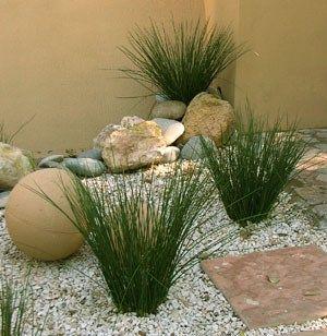 Decoracion de jardines con piedras2 casa web for Jardines pequenos modernos con piedras
