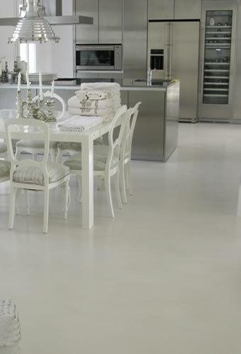 Piso de microcemento alisado casa web - Como hacer cemento para suelo ...