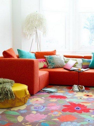 living con sofa naranja
