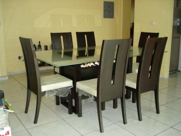 Sillas de madera para comedor casa web for Sillas antiguas tapizadas modernas