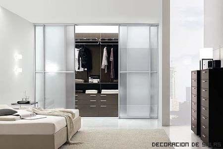 Vestidor puerta corredera casa web for Puertas para closet minimalistas