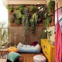 decoracion de un balcon con plantas