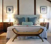 dormitorio marrron y celeste