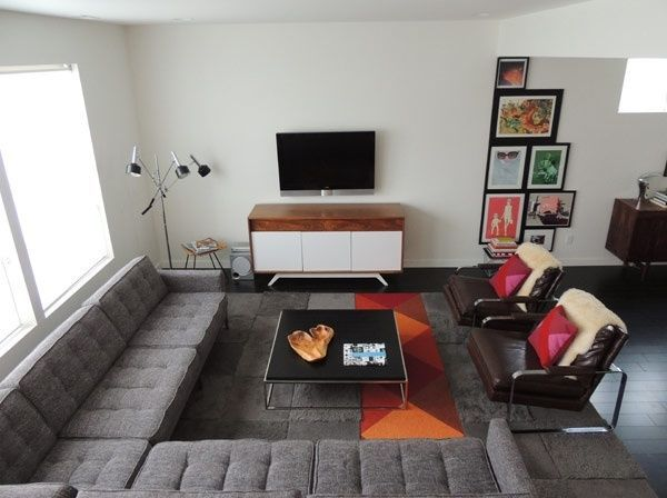 alfombra naranja y gris