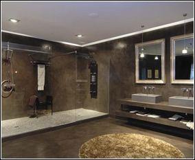 baño minimalista revestido totalmente con cemento alisado