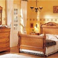 dormitorio con muebles viejos restaurados