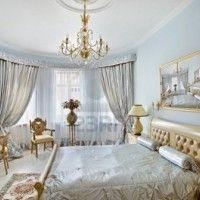 habitacion estilo clasico con muebles claros