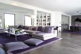 living amplio violeta y blanco