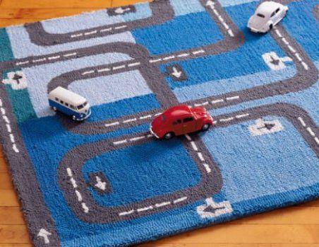 alfombra con pista de auto
