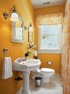 baño chico y colorido