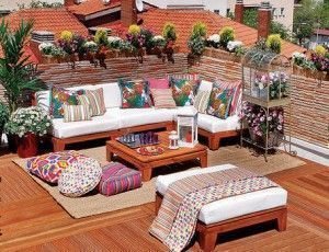 decoracion colorida de terraza