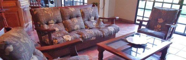 Futon de algarrobo estilo country casa web for Imagenes de futones