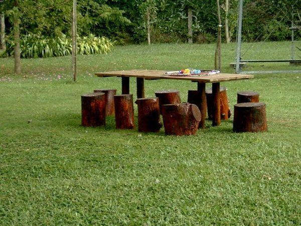 Un espacio de relax en el jardin casa web for Juegos de jardin rusticos