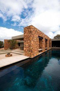 revestimiento exterior con piedras