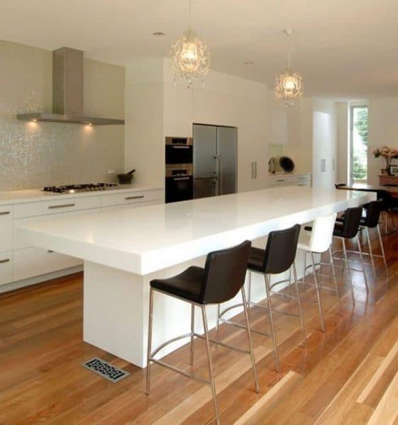 cocina minimalista con piso laminado