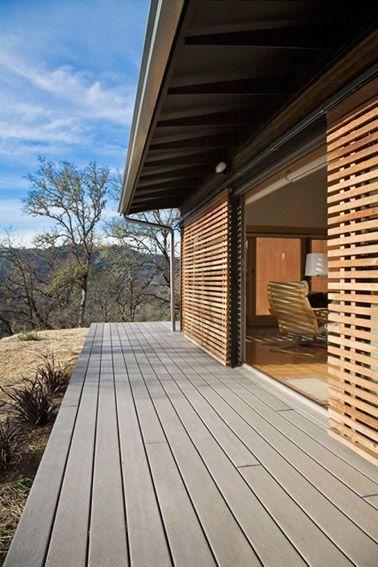 Ventanales con rejas de madera corredizas casa web - Rejas de casas modernas ...