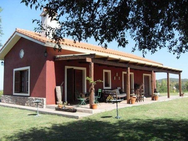 Galerias de casas de campo columnas y muebles de madera