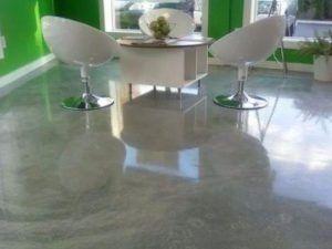 piso de porcelanato liquido en oficina