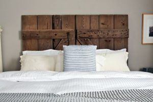resldar de cama de madera rustico