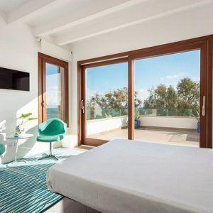 ventanales de pvc en el dormitorio
