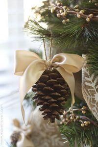 adorno con piña para el arbol de navidad