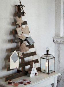 arbol de navidad con madera reciclada
