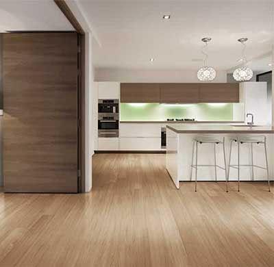 cocina con piso flotante