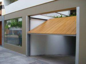 puerta garaje de madera levadizo