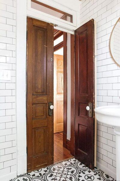 pueta antigua para baño vintage Aberturas