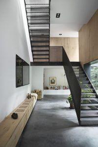 Escalera de ida y vuelta moderna