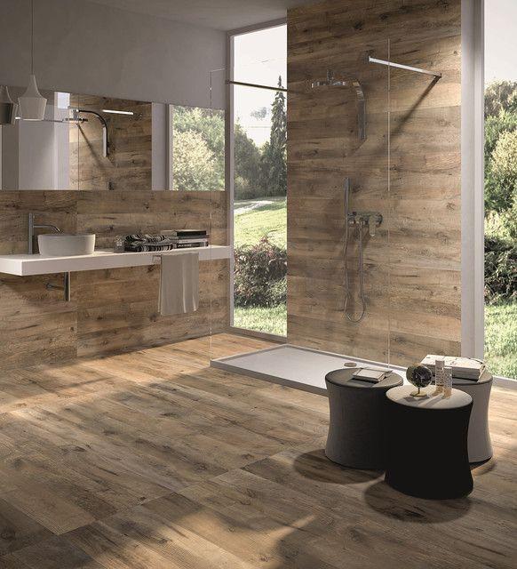 baño con porcelanato simil madera